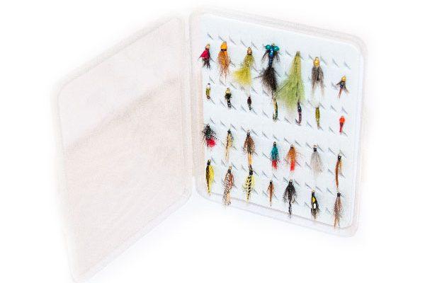 Slimline Plastic ( holds 104 standard flies) FREE 21 x Flies